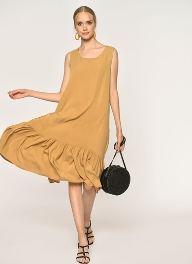 Loves You Eteği Piliseli Kolsuz Krinkıl Elbise Camel